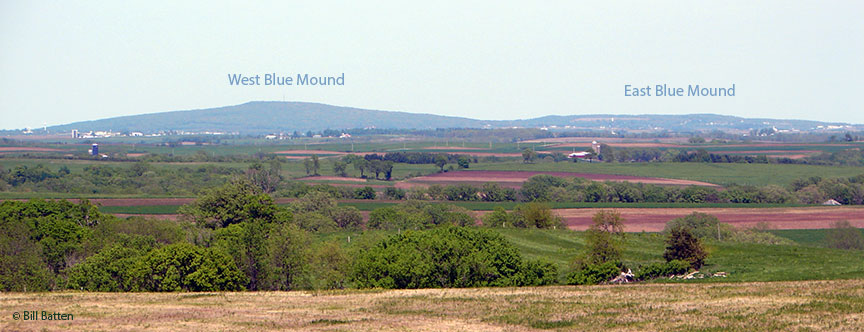 Blue Mounds (© Bill Batten)