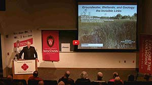 Ken Bradbury speaks about the connection between groundwater and wetlands at Wednesday Nite @ the Lab